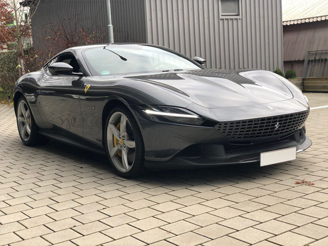 Booking a very fast car or rental sport vehicle in Portofino