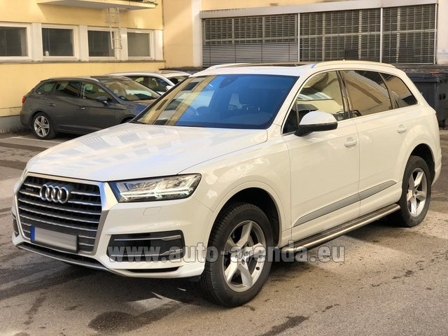 Rental Audi Q7 50 TDI Quattro White in Turin