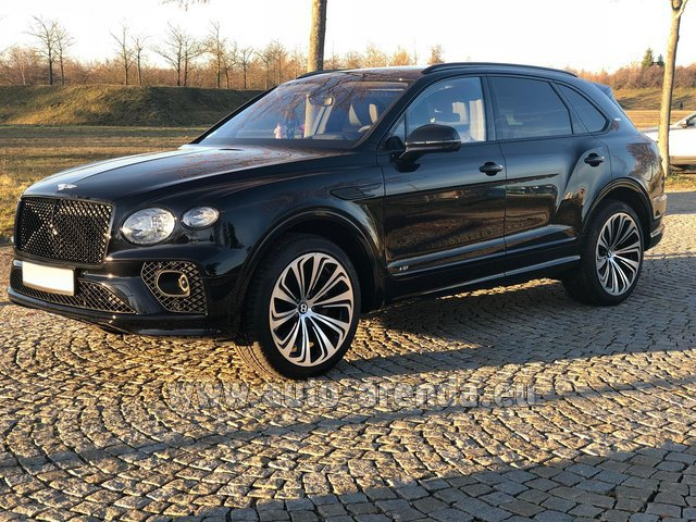 Rental Bentley Bentayga V8 new Model 2021 in Tuscany