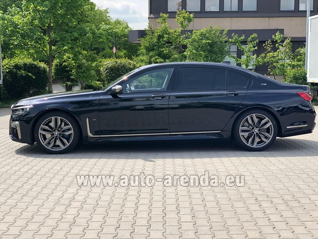Hire and delivery to Rimini airport the car BMW M760Li xDrive V12