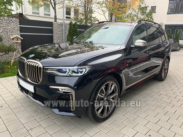 Hire and delivery to Venice airport the car BMW X7 M50d