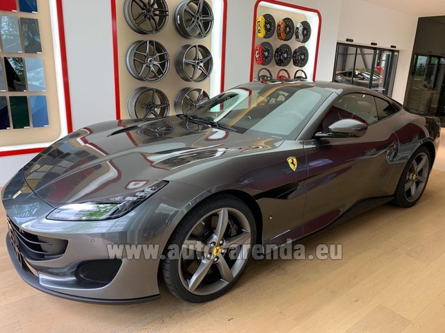 Hire and delivery to Venice airport the car Ferrari Portofino