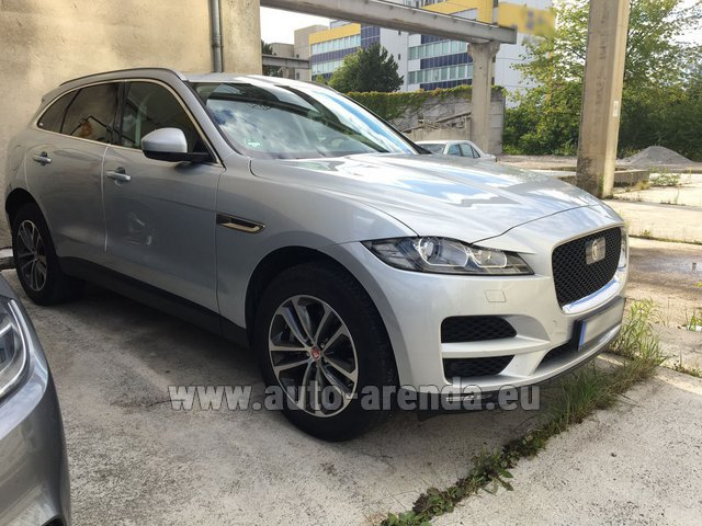 Hire and delivery to Venice airport the car Jaguar F-Pace