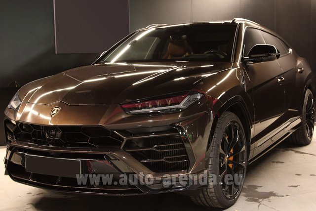 Hire and delivery to Rimini airport the car Lamborghini Urus