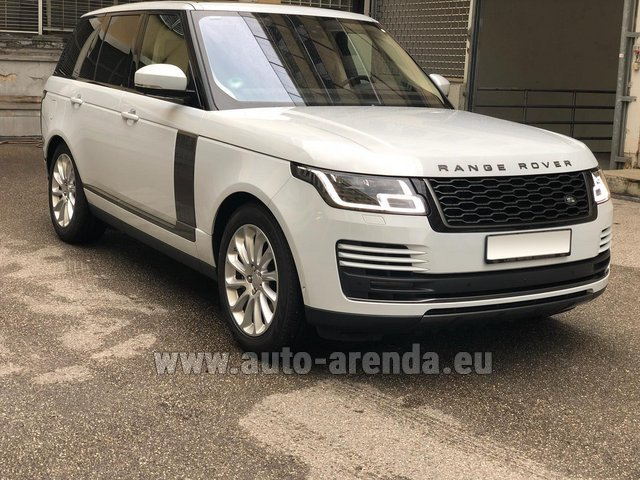Rental Land Rover Range Rover Vogue P525 in Naples