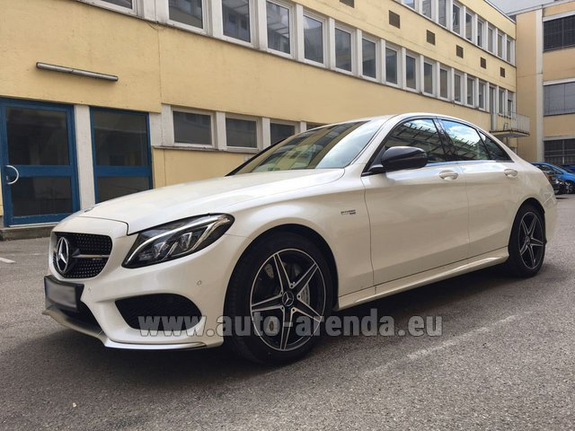 Hire and delivery to Roma-Fiumicino airport the car Mercedes-Benz C-Class C43 AMG Biturbo 4MATIC White