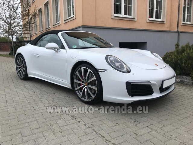 Rental Porsche 911 Carrera 4S Cabrio in Italy