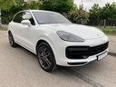 Rent-a-car Porsche Cayenne Turbo V8 550 hp in Milan, photo 2