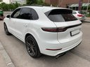 Rent-a-car Porsche Cayenne Turbo V8 550 hp in Milan, photo 3