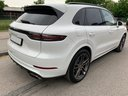 Rent-a-car Porsche Cayenne Turbo V8 550 hp in Milan, photo 4
