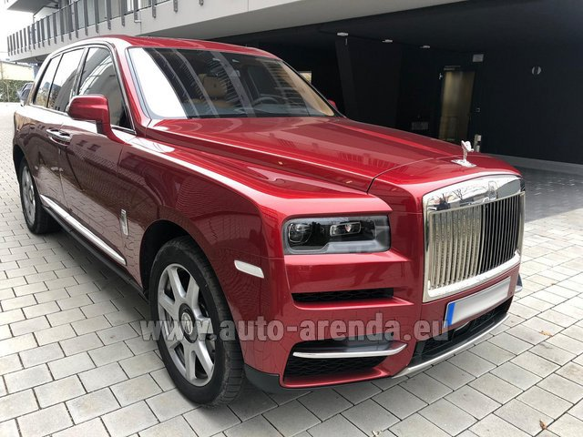 Hire and delivery to Rome-Ciampino airport the car Rolls-Royce Cullinan