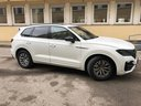 Rent-a-car Volkswagen Touareg R-Line in Naples, photo 1